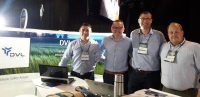 Staff de DVL Satelital en Stand